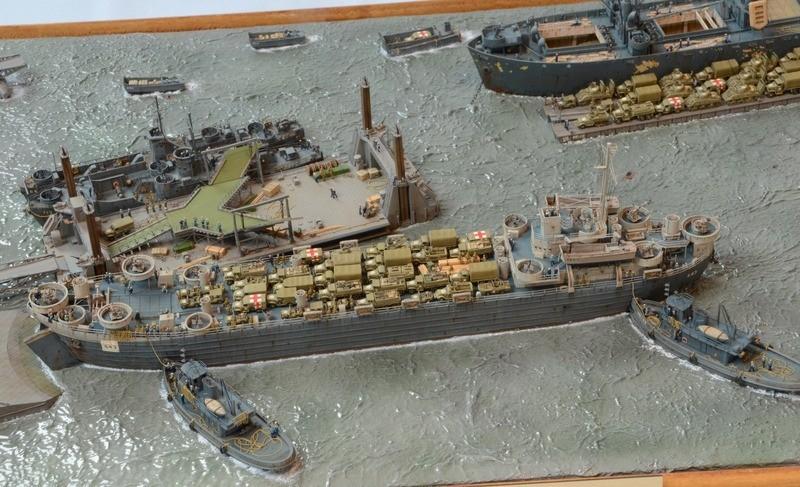 Diorama Port Mulberry A Omaha Beach 16 Juin 1944 au 1/350 - Scratch sur base Iron Shipwrights, Trumpeter et l'Arsenal Y2CNhc