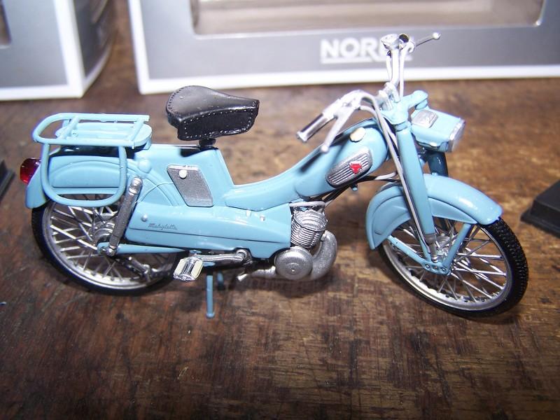 Cyclomoteurs en miniatures 2tbI0W
