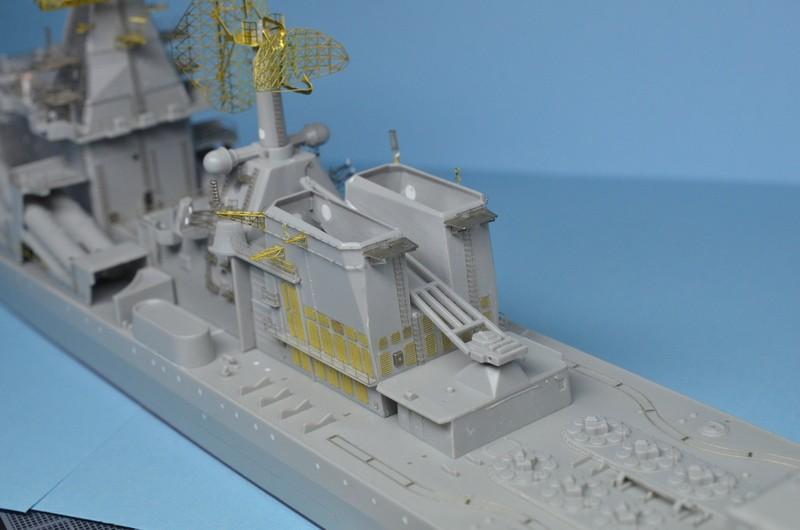 Diorama Class KIROV et Class SLAVA au 1/350 – Kit Trumpeter - Page 3 BfMHQq