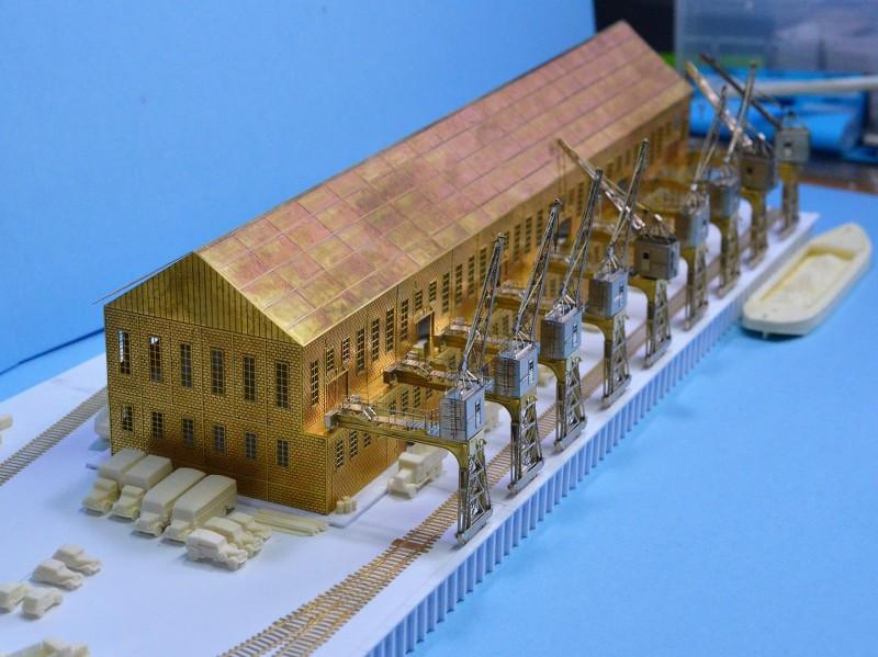 Grande grue 250 t port de Hambourg et Bismarck au 1/350 - Page 6 EpCaeh