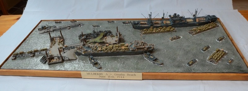 Diorama Port Mulberry A Omaha Beach 16 Juin 1944 au 1/350 - Scratch sur base Iron Shipwrights, Trumpeter et l'Arsenal GT1ufz