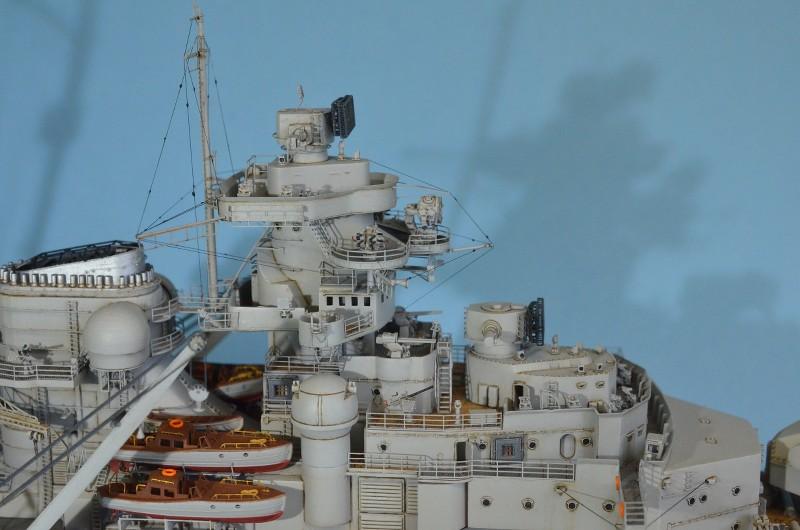 Grande grue 250 t port de Hambourg et Bismarck au 1/350 - Page 15 HYp50p
