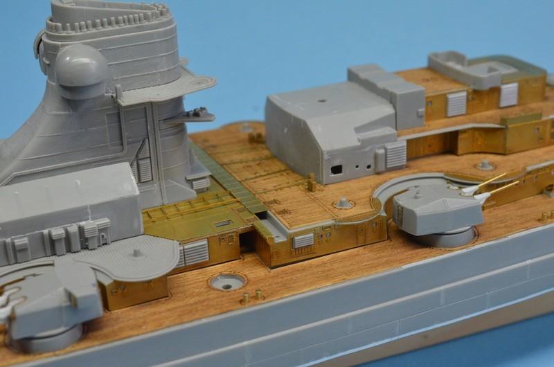 Dio : Grande grue 250 t port de Hambourg et Bismarck (1/350°) - Page 7 IhYQwv