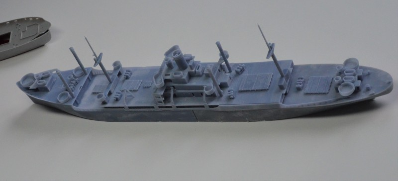 USS CAGE APA-168 au 1/350 - Page 2 M6MUMD