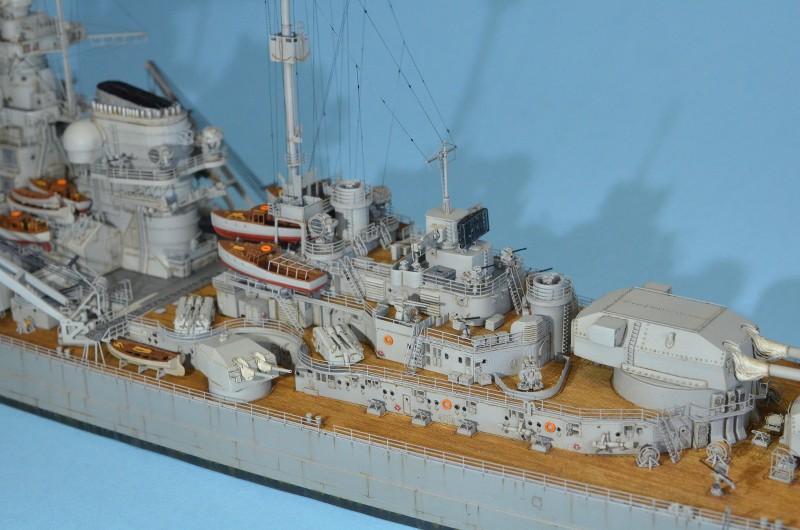Grande grue 250 t port de Hambourg et Bismarck au 1/350 - Page 15 UBfHBG