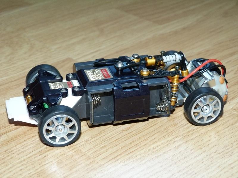 Mes Mini-Z et autres au 1/28 V93oMn