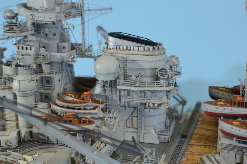 Grande grue 250 t port de Hambourg et Bismarck au 1/350 - Page 15 XoM5EP