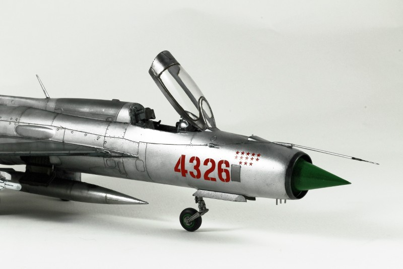 MIG 21PF NORD VIETNAM - EDUARD - 1/48 YKOPRn