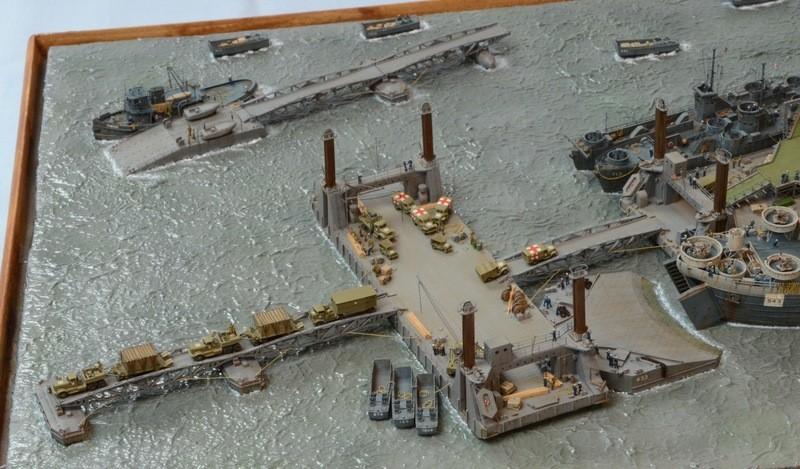 Diorama Port Mulberry A Omaha Beach 16 Juin 1944 au 1/350 - Scratch sur base Iron Shipwrights, Trumpeter et l'Arsenal Ysb77y