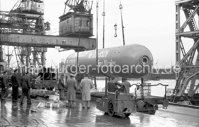 Grande grue 250 t port de Hambourg et Bismarck au 1/350 - Page 5 ACWzag