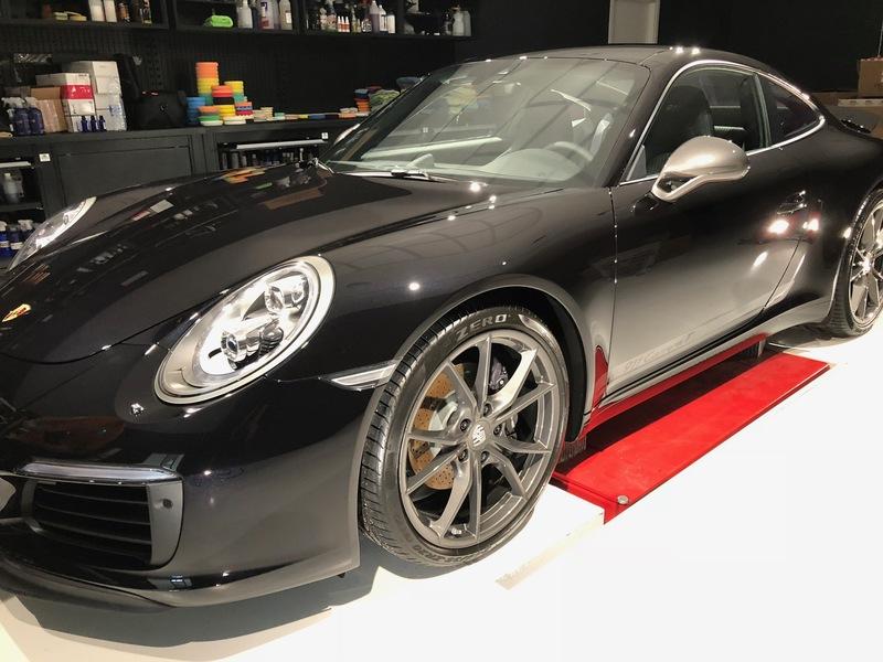 Admin&Brother vs Porsche 911 Carrera T AIWa2Q