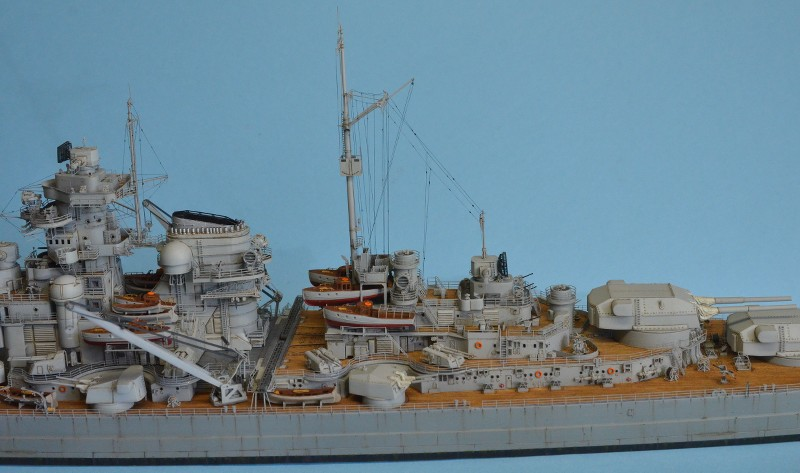 Grande grue 250 t port de Hambourg et Bismarck au 1/350 - Page 15 MHFyLr