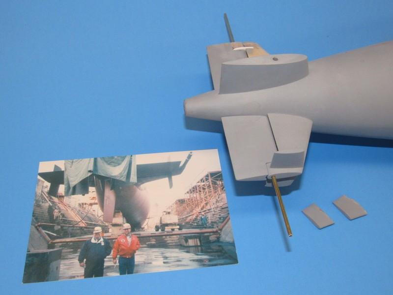 Assembling the excellent Scale Shipyards 1/96 SSBN, USS Daniel Webster Q2bEpu