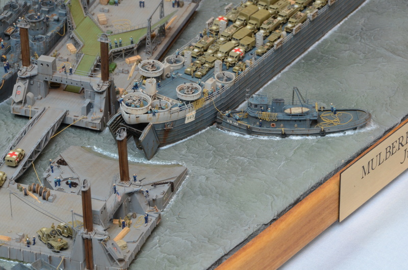 Diorama Port Mulberry A Omaha Beach 16 Juin 1944 au 1/350 - Scratch sur base Iron Shipwrights, Trumpeter et l'Arsenal R5Izff