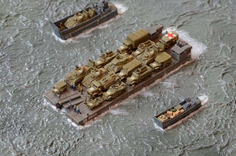 Diorama Port Mulberry A Omaha Beach 16 Juin 1944 au 1/350 - Scratch sur base Iron Shipwrights, Trumpeter et l'Arsenal V86PIV