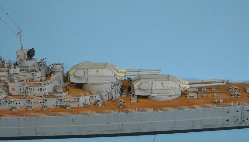 Grande grue 250 t port de Hambourg et Bismarck au 1/350 - Page 15 3c3HlO