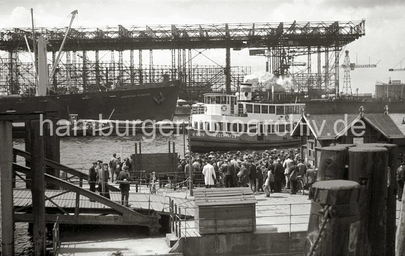 Dio : Grande grue 250 t port de Hambourg et Bismarck (1/350°) - Page 3 6RBZlV