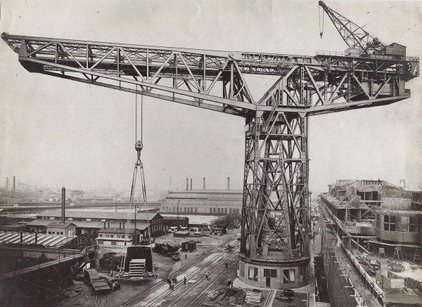 Grande grue 250 t port de Hambourg et Bismarck Revell au 1/350 9SRJyq