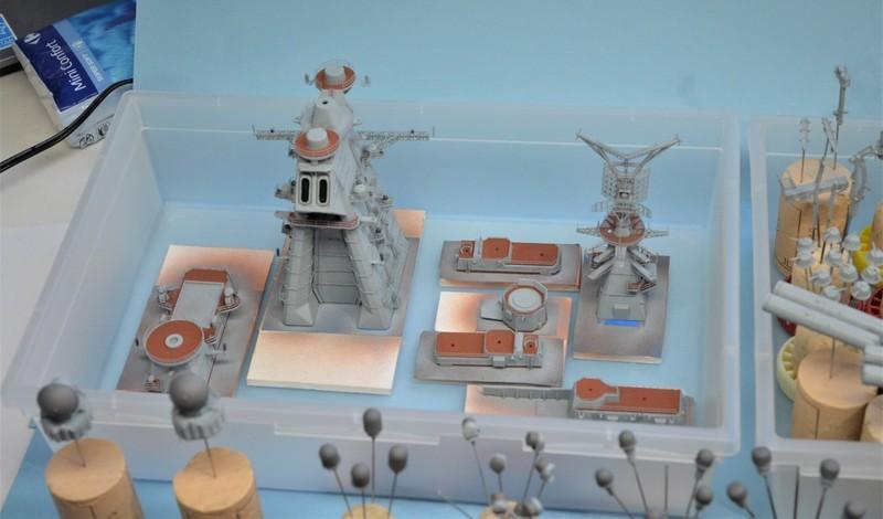 Diorama Class KIROV et Class SLAVA au 1/350 – Kit Trumpeter - Page 4 CmMu7m