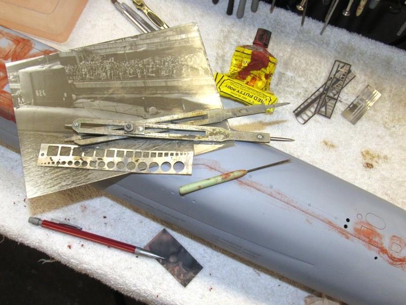 Assembling the excellent Scale Shipyards 1/96 SSBN, USS Daniel Webster E1Fj90