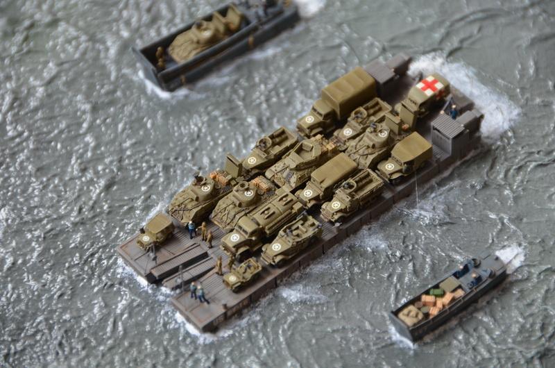 Diorama Port Mulberry A Omaha Beach 16 Juin 1944 au 1/350 - Scratch sur base Iron Shipwrights, Trumpeter et l'Arsenal FpGT9n