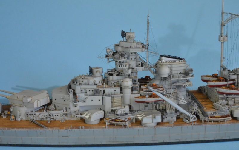 Grande grue 250 t port de Hambourg et Bismarck au 1/350 - Page 15 NxTMBq