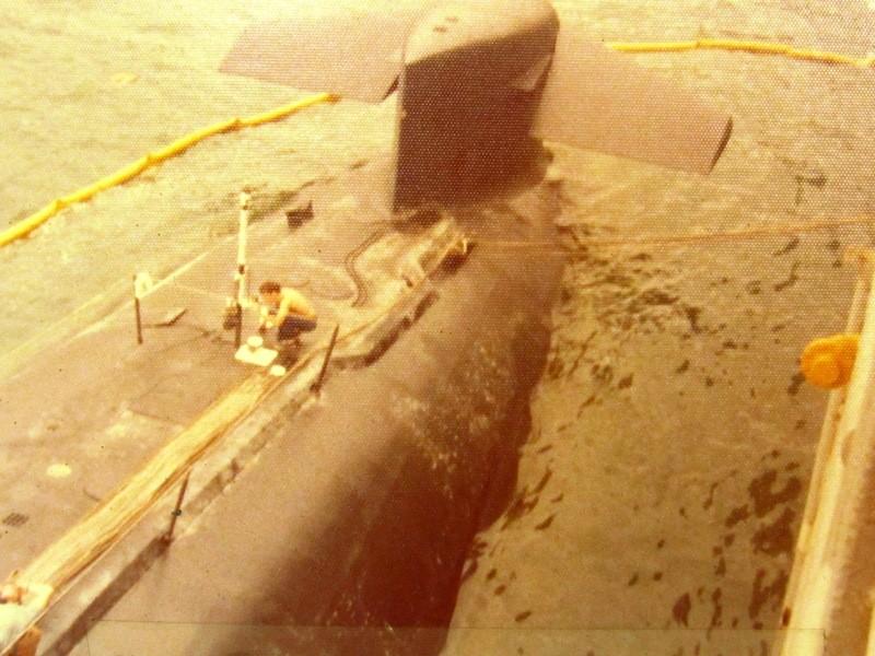 Assembling the excellent Scale Shipyards 1/96 SSBN, USS Daniel Webster PXepIB