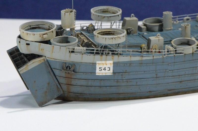 Diorama Port Mulberry A Omaha Beach 16 Juin 1944 au 1/350 - Scratch sur base Iron Shipwrights, Trumpeter et l'Arsenal VfYBQ0
