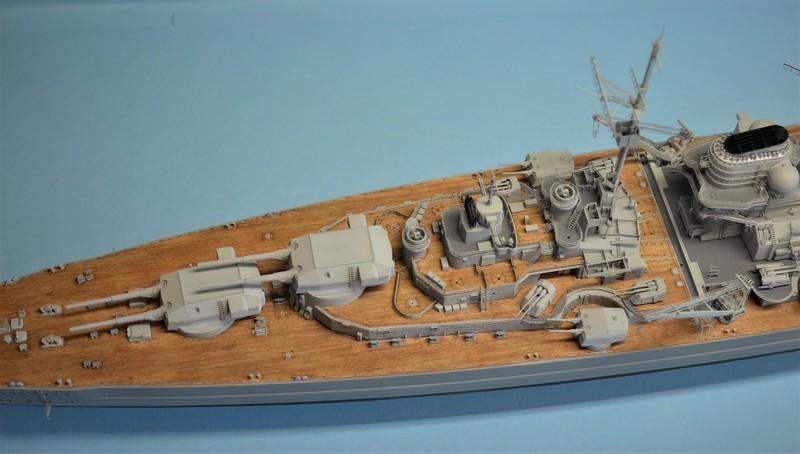 Grande grue 250 t port de Hambourg et Bismarck au 1/350 - Page 15 YCrkyC