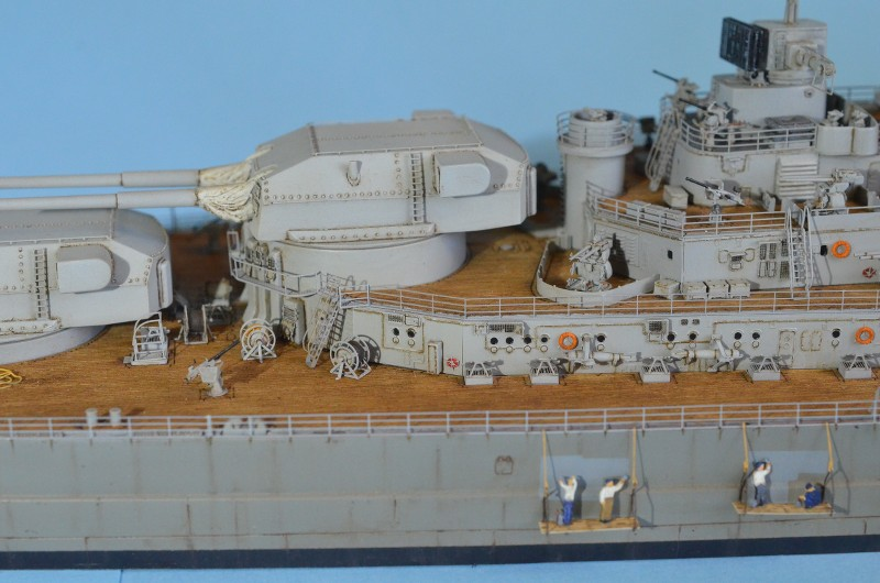 Grande grue 250 t port de Hambourg et Bismarck au 1/350 - Page 15 ZYX2Et
