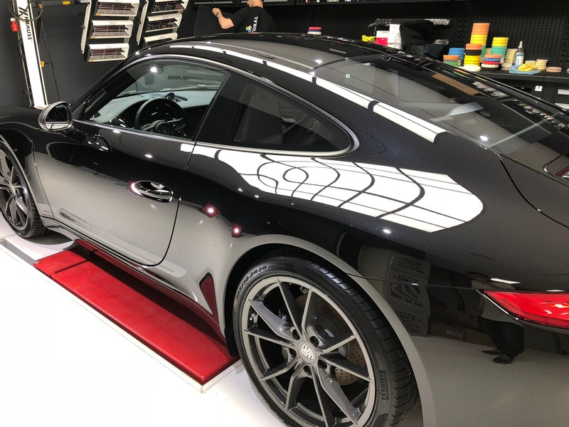Admin&Brother vs Porsche 911 Carrera T BrFGmW