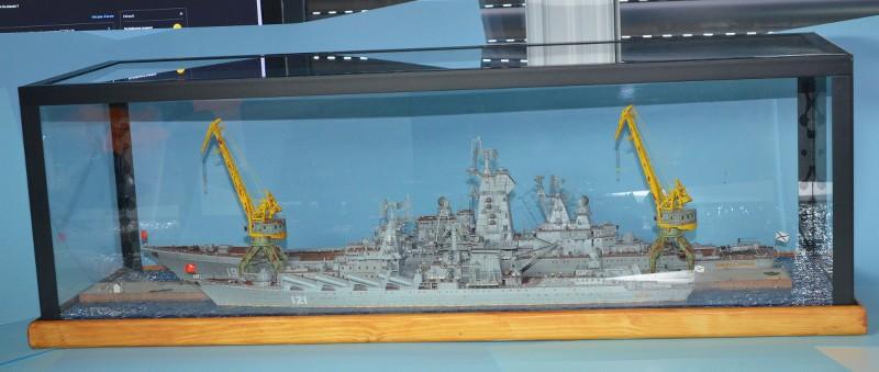 Diorama Class KIROV et Class SLAVA au 1/350 – Kit Trumpeter - Page 9 D0BIyN