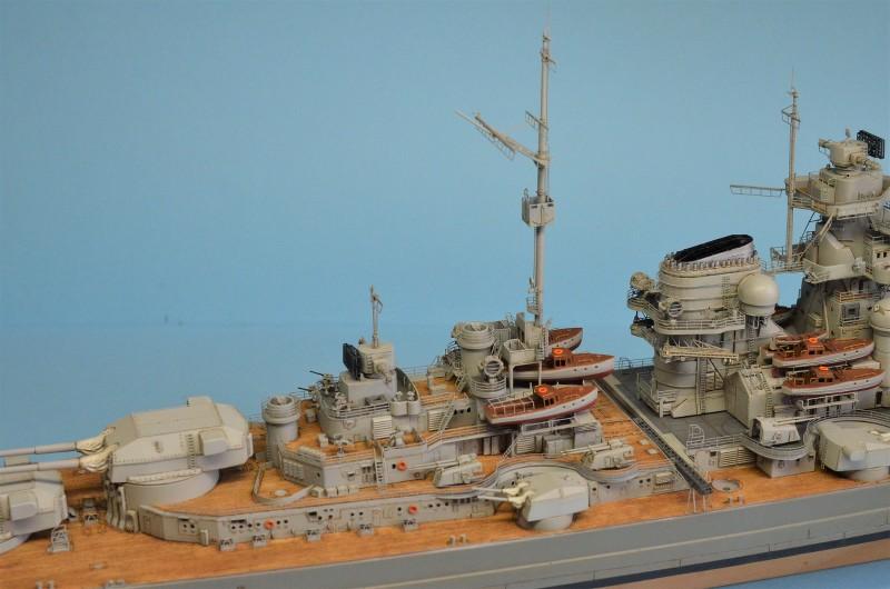 Grande grue 250 t port de Hambourg et Bismarck au 1/350 - Page 15 D690eU