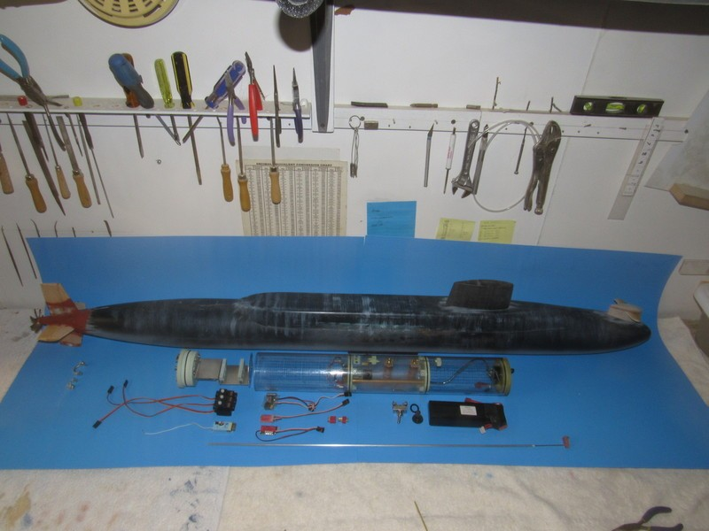 Assembling the excellent Scale Shipyards 1/96 SSBN, USS Daniel Webster Ejxcd9