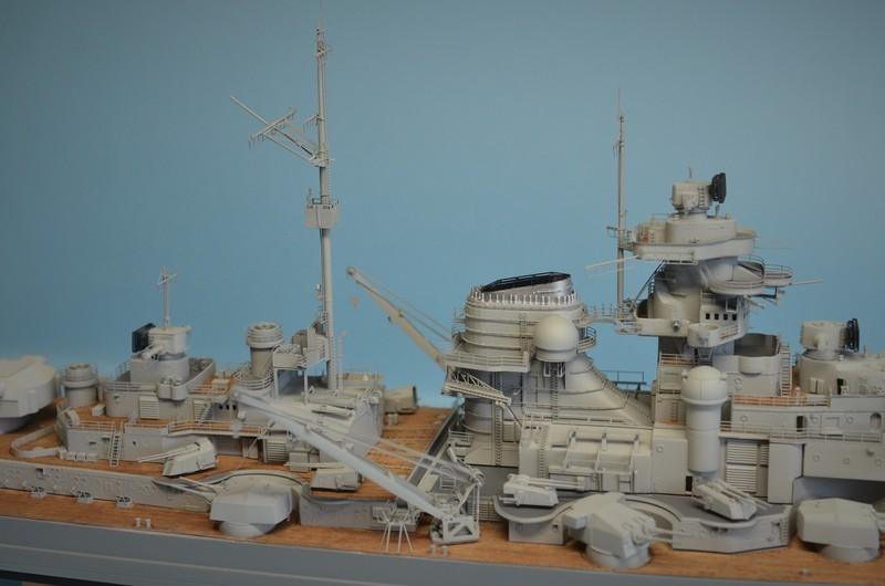 Grande grue 250 t port de Hambourg et Bismarck au 1/350 - Page 15 FnCjJc