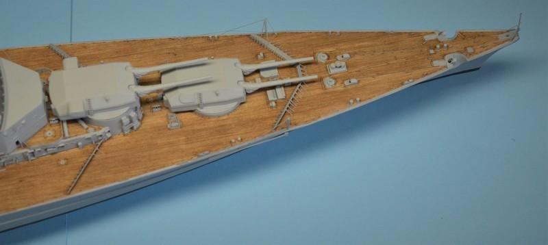 Grande grue 250 t port de Hambourg et Bismarck au 1/350 - Page 15 FrQW33