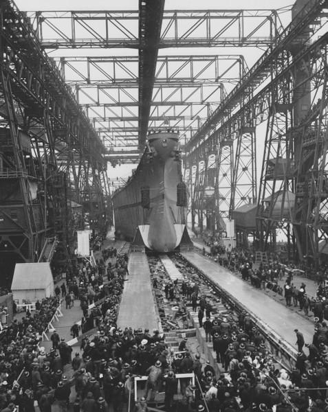 Dio : Grande grue 250 t port de Hambourg et Bismarck (1/350°) - Page 3 KWnWqa