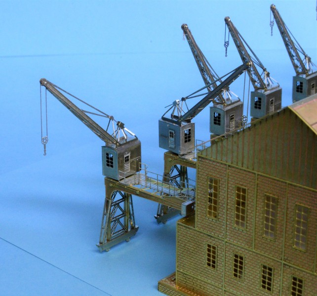 Grande grue 250 t port de Hambourg et Bismarck au 1/350 - Page 5 PbUngg