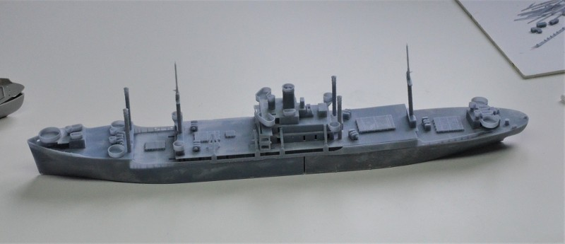 USS CAGE APA-168 au 1/350 - Page 2 QYtlo4