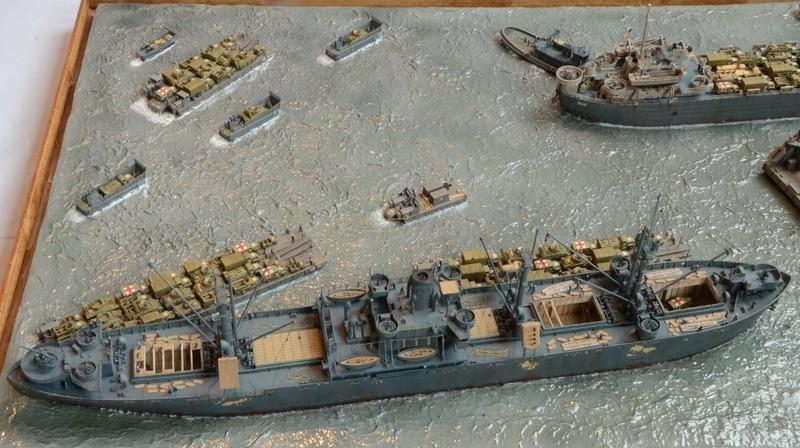 Diorama Port Mulberry A Omaha Beach 16 Juin 1944 au 1/350 - Scratch sur base Iron Shipwrights, Trumpeter et l'Arsenal WgmfXg