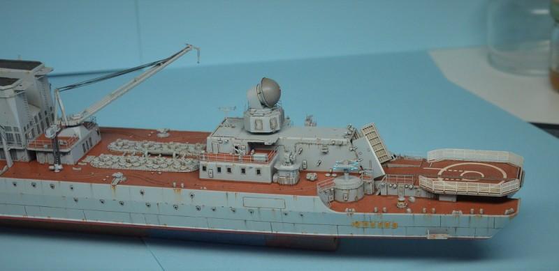 Diorama Class KIROV et Class SLAVA au 1/350 – Kit Trumpeter - Page 7 XDCYxT