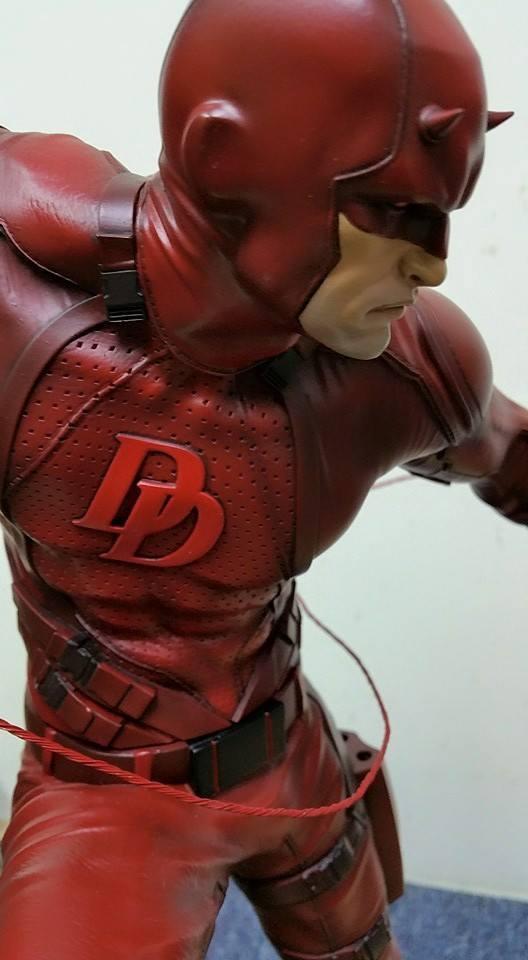 Premium collectibles : Daredevil  - Page 3 CzNsir