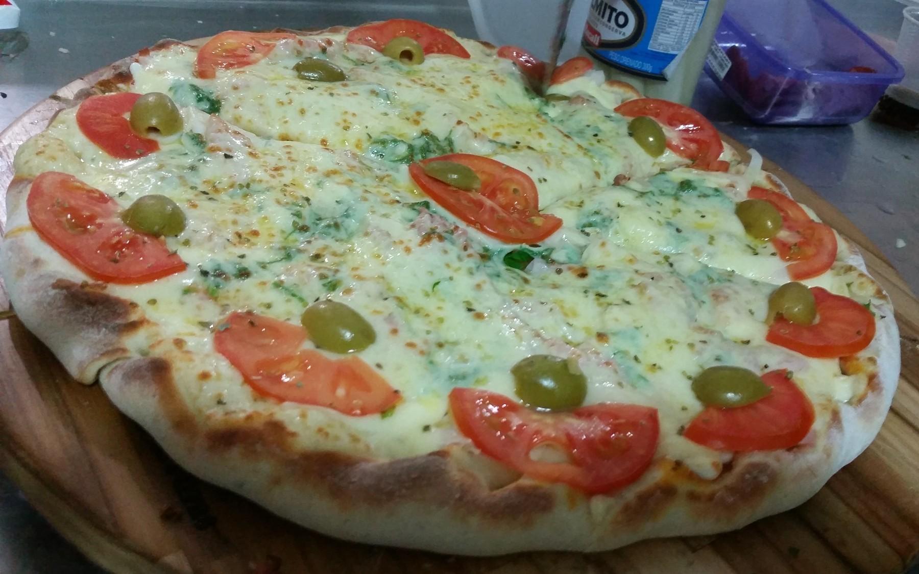 Mais um Forno Las Lenhas do Cheff Hassin construído em Salvador e pizzas sensacionais feitos neste forno! QFcX1y