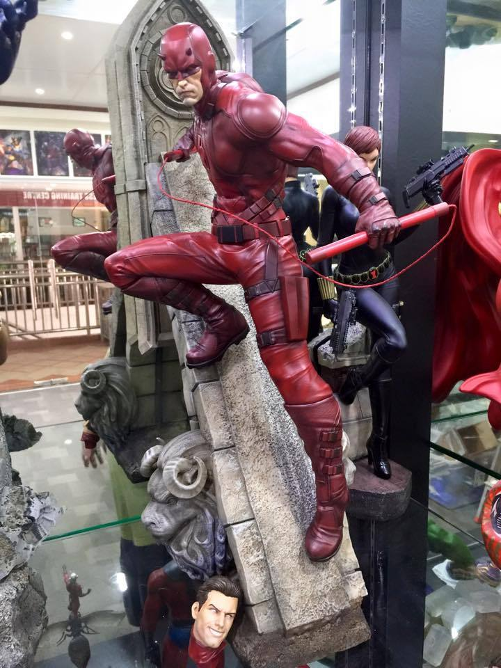 Premium collectibles : Daredevil  - Page 4 VXiNLd