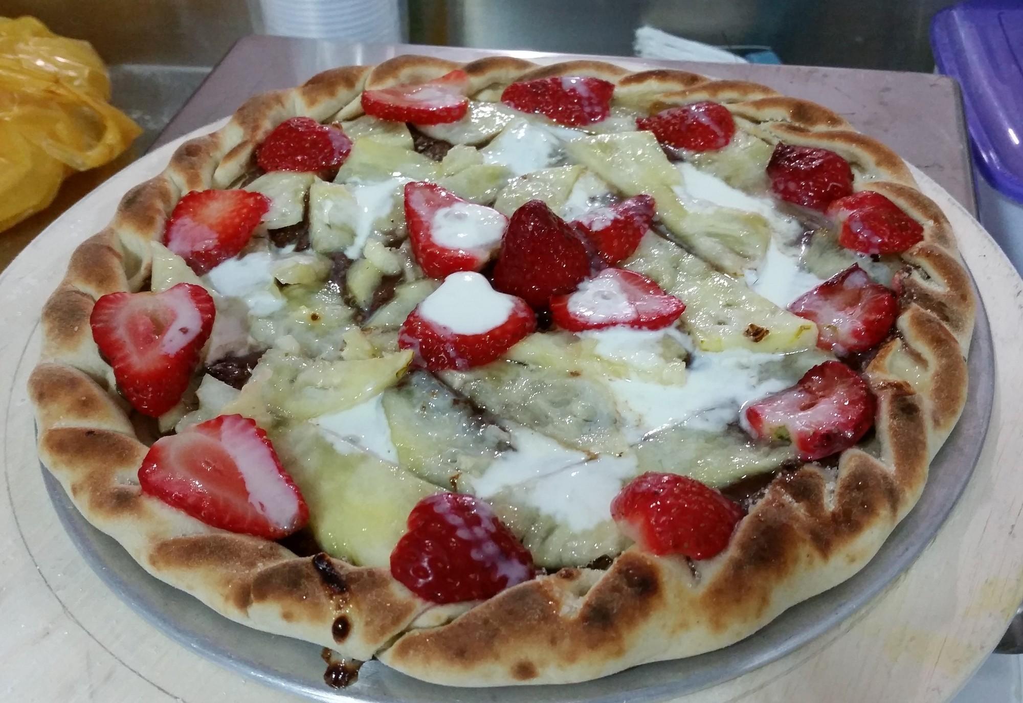 Mais um Forno Las Lenhas do Cheff Hassin construído em Salvador e pizzas sensacionais feitos neste forno! VcZP69