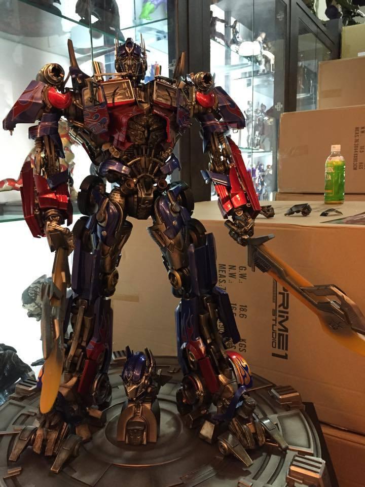 Transformers : DotM - Optimus Prime Statue WjgOvj
