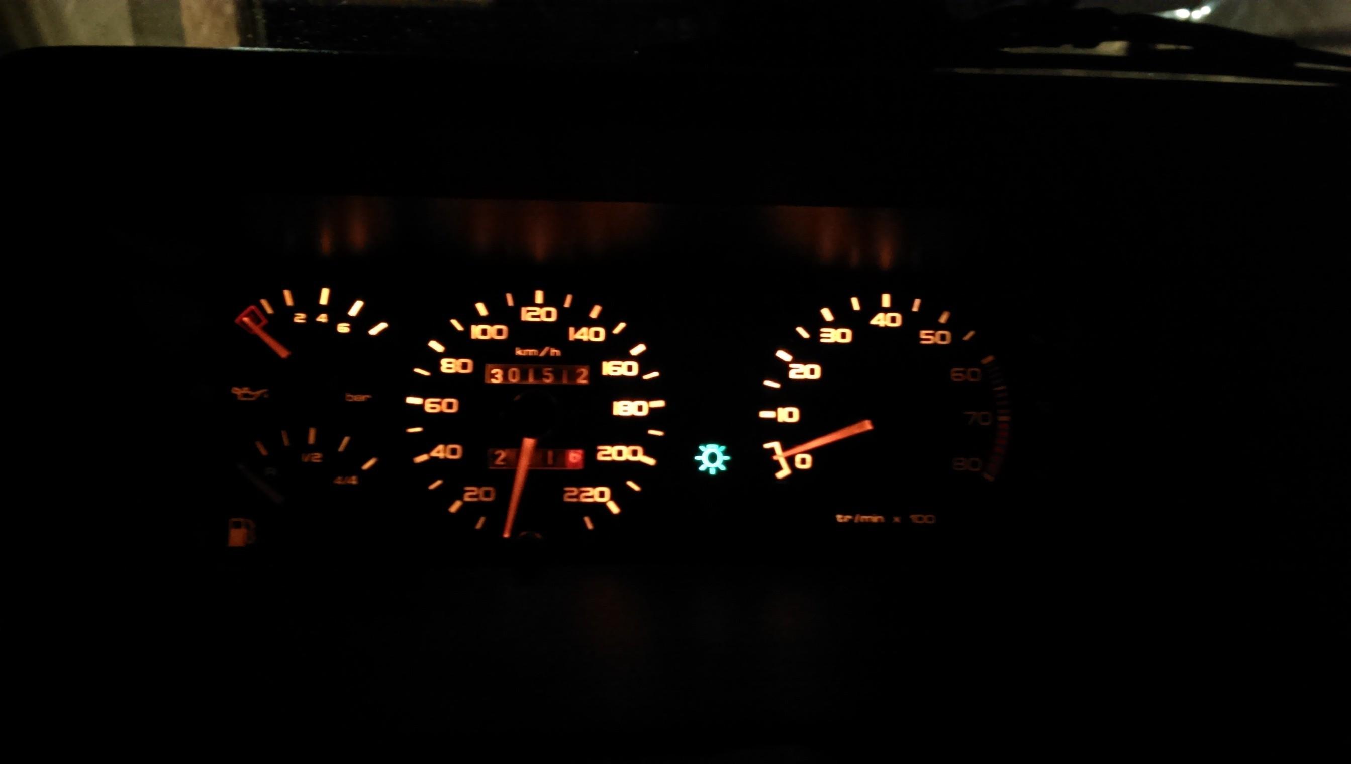 [toreto04] 205 GTI 1.6L - Gris Graphite - 1988 Z3np