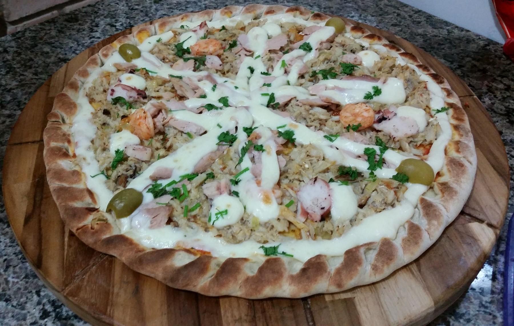 Mais um Forno Las Lenhas do Cheff Hassin construído em Salvador e pizzas sensacionais feitos neste forno! 0w9eSA