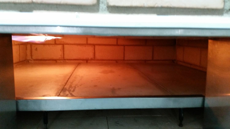 Mais um Forno Las Lenhas do Cheff Hassin construído em Salvador e pizzas sensacionais feitos neste forno! PVlSKy