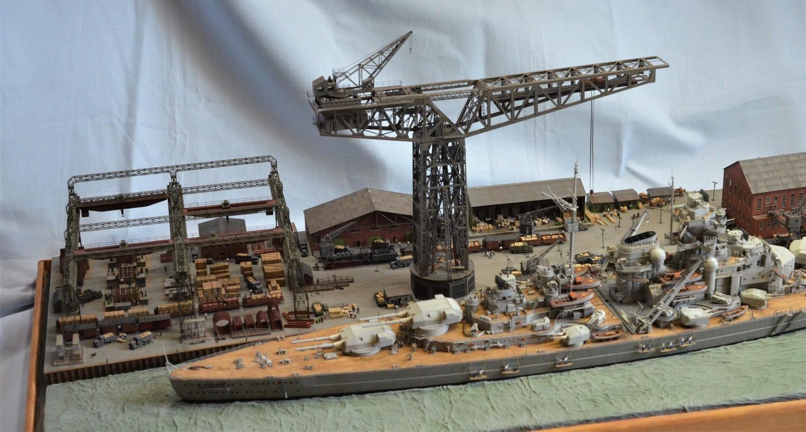 Grande grue 250 t port de Hambourg et Bismarck Revell au 1/350 - Page 11 RIPhOw